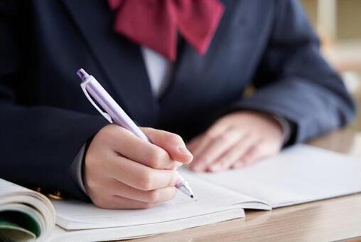 夏期講習!中学生コースも栄光義塾の戻って取組む勉強が効果を発揮します!受験相談